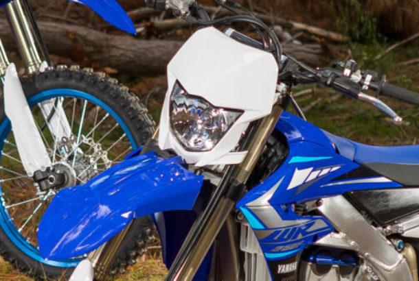 Motocykl vhodný ke všemu.