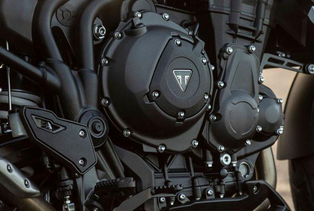 Výkonný a pružný motor